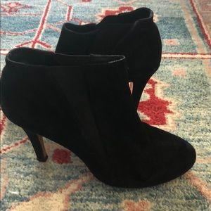 Saks fifth avenue booties black suede size 8